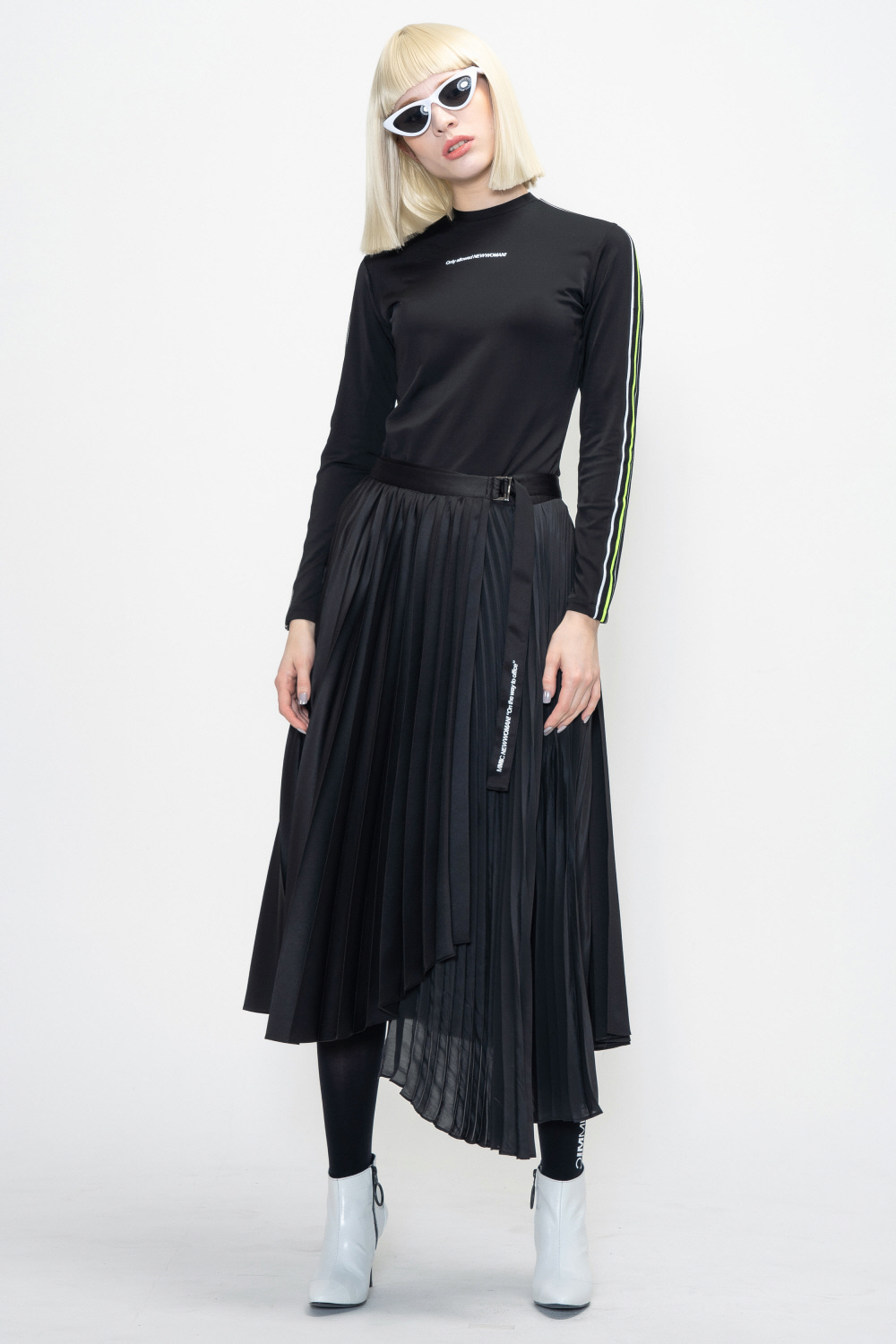 UNBALANCEPLEATS SKIRT